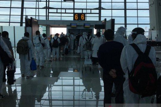 Penumpang tujuan China, termasuk dari Indonesia, wajib karantina awal