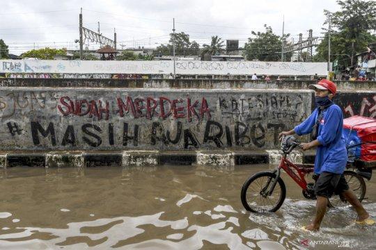 Aktivis sebut jangan salahkan airnya kalau Jakarta banjir
