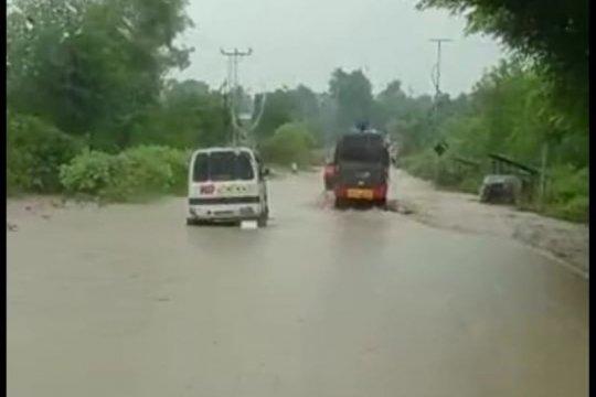 Puluhan rumah di Kabupaten Kupang terendam banjir