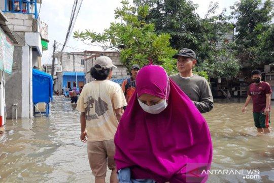 685 warga Kelurahan Rawa Buaya masih mengungsi