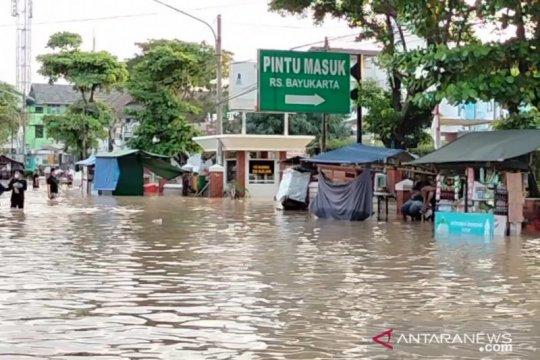 Curah hujan tinggi, rumah sakit di Karawang-Jabar terendam banjir