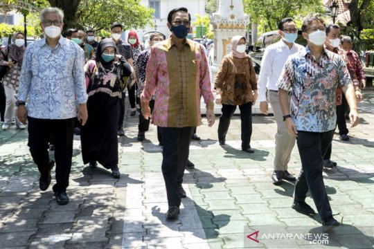 Menkes cek kesiapan vaksinasi COVID-19 tahap kedua di Yogyakarta