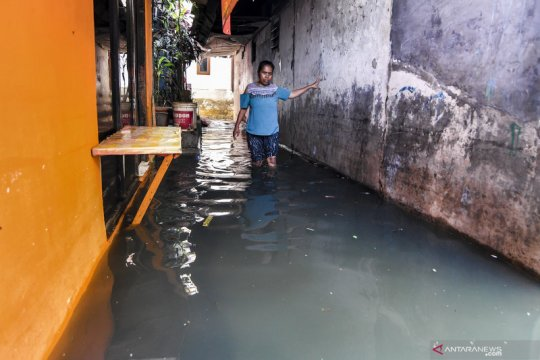 Di Jakarta Barat masih ada kiriman air melalui Kali Angke