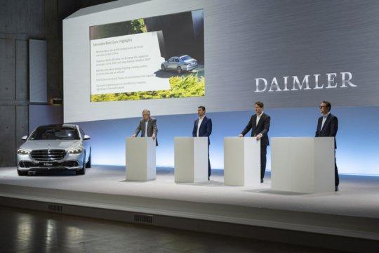 Daimler percaya diri 2021 setelah laba Rp68,1 triliun 2020