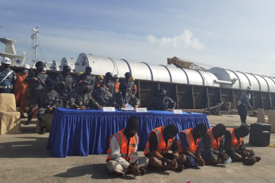 Pencurian Tongkang Linau 133 di Selat Singapura tanpa kekerasan