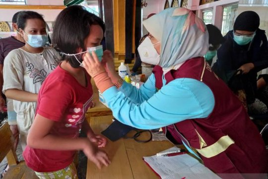 Dinkes Tangerang edukasi COVID-19 ke pengungsi banjir