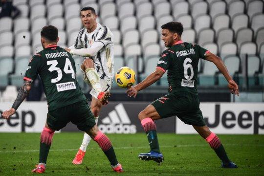 Dua gol Ronaldo bantu Juventus kalahkan Crotone