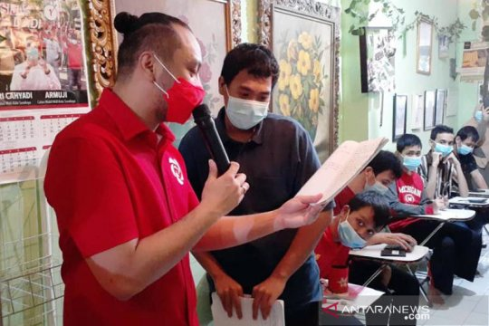 Giring Ganesha bacakan cerpen sapa disabilitas di Surabaya