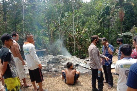 Rumah warga terbakar di Gunungsitoli, satu anak disabilitas tewas