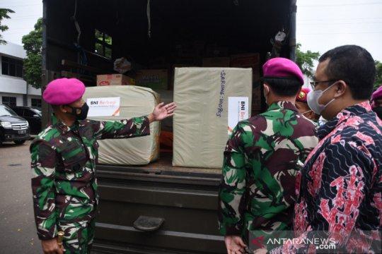 Korps Marinir berikan bantuan untuk korban banjir Karawang-Bekasi