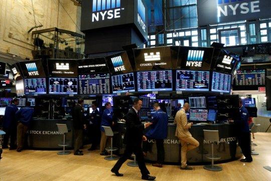 Wall Street bervariasi, Nasdaq ditutup jatuh hampir 68 poin