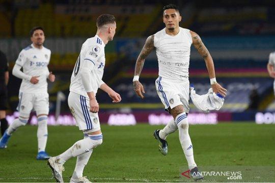 Leeds kembali ke jalur kemenangan setelah cukur Southampton