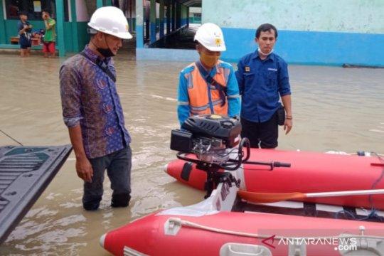 Masih terendam luapan Citarum, PLN Bekasi pantau 11 gardu listrik