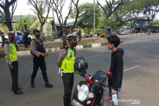Nyanyi Indonesia Raya hingga menghapal Al Quran sanksi prokes di Aceh