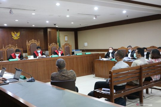 Stafsus jelaskan penyerahan suap ke Edhy Prabowo