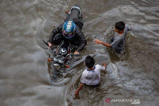 Banjir kembali merendam jalur Pantura Semarang