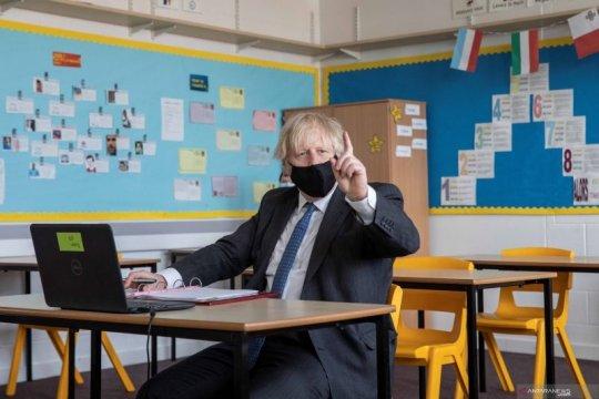 Keluarga anak sekolah di Inggris akan dites COVID-19 dua kali sepekan