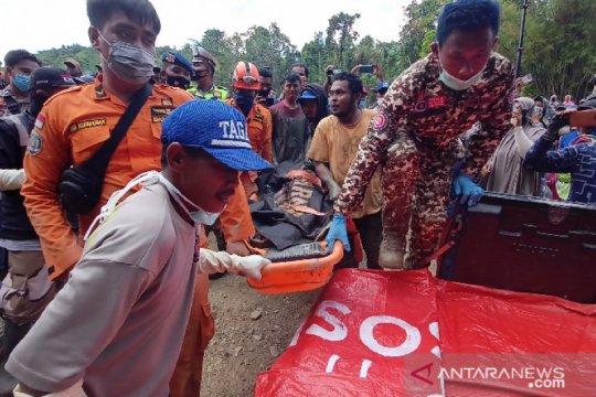SAR berhasil evakuasi tiga jenazah korban longsor PETI Parigi Moutong