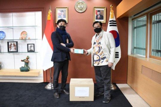 UMKM Korea Selatan berikan bantuan masker untuk WNI