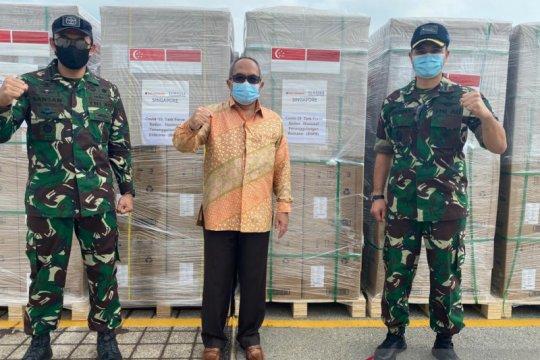 KRI Semarang angkut 11,6 juta masker dari Singapura untuk Indonesia