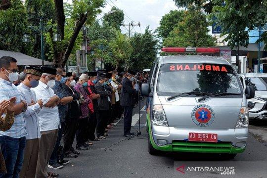 Ribuan warga melepas jenazah Pemimpin Pusat MTA Ahmad Sukina