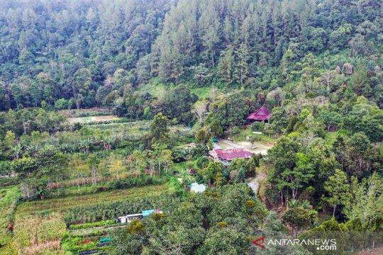 Taman Eden 100 di Lumban Julu Toba tawarkan edukasi wisata alam