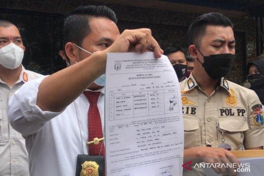 Satpol PP Jakbar tutup permanen Kafe RM Cengkareng