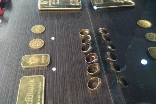 Emas terjungkal 46,6 dolar, ditutup di level terendah sejak Juni 2020