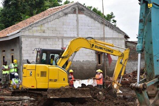 Tanggap banjir, WIKA bangun kembali tanggul Sungai Citarum Hilir Bekasi