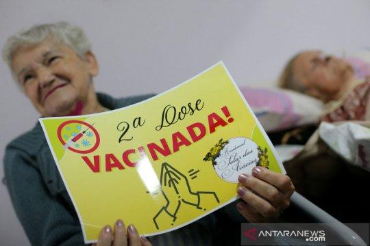 Brazil akan berikan vaksin COVID penguat pada kalangan lansia