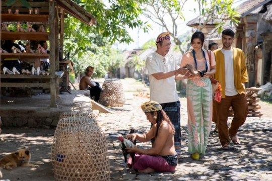 """""""A Perfect Fit"""", kolaborasi Hadrah Daeng Ratu dan Garin Nugroho"""