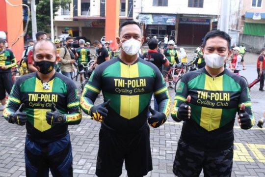 TNI-Polri NTB gelar gowes sinergi dan bakti sosial