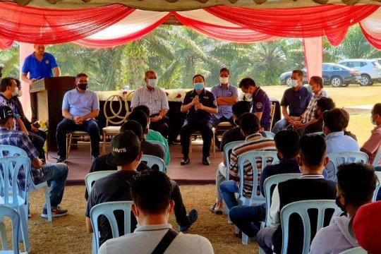 KJRI Johor Bahru buka layanan di ladang sawit
