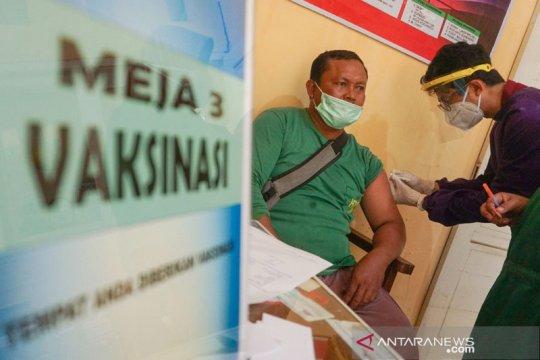 Sebanyak 1,6 juta penduduk Indonesia telah divaksinasi COVID-19