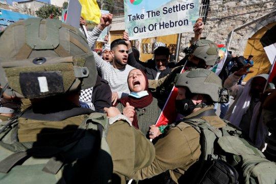 Pasukan Israel tahan 14 warga Palestina dari berbagai wilayah