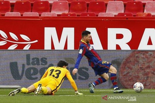 Gol dan assist Messi menangkan Barcelona di Sevilla