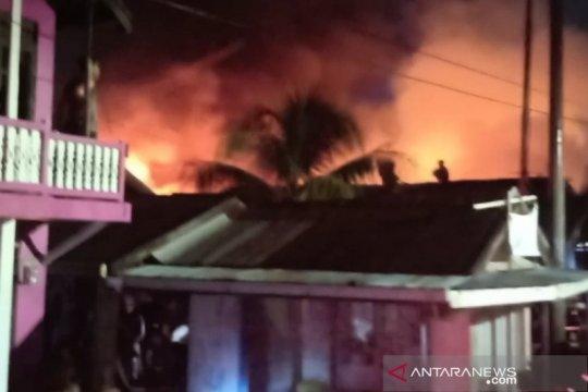 Polisi: Kebakaran hanguskan 25 rumah diduga karena arus pendek