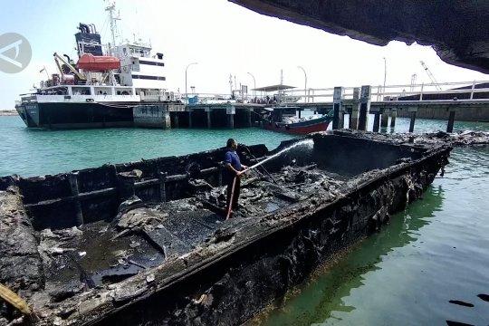 4 Unit kapal terbakar di Dermaga Bea Cukai Batam