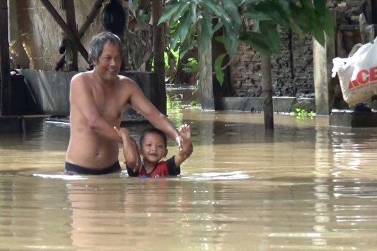 Bengawan Solo meluap, puluhan rumah warga terendam banjir