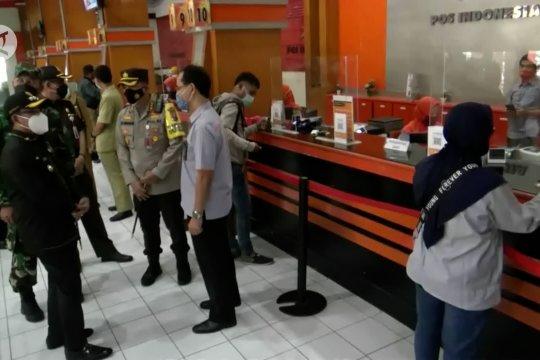 Forkopimda Malang inspeksi prokes dan aturan bekerja dari rumah
