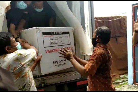 Jatim distribusikan 915 ribu dosis vaksin COVID-19 tahap kedua