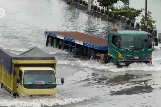 Kurangi risiko bencana, listrik di wilayah terdampak banjir Semarang dipadamkan