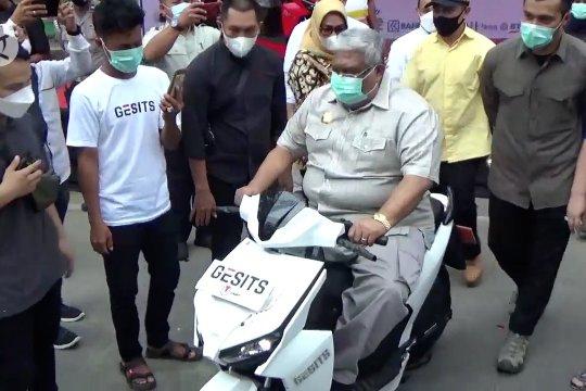 Pertama di Kawasan Timur Indonesia, sepeda motor listrik di Sultra