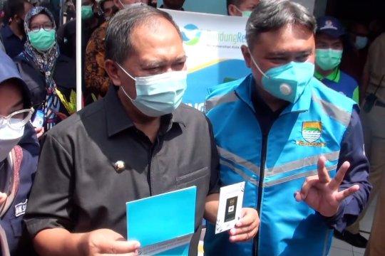 Menabung sampah di Bandung bisa dapat emas mini