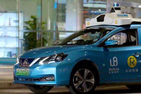 Uji kendaraan swakemudi di pusat kota Guangzhou
