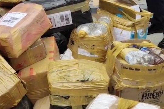 Dalam setahun PT Angkasa Pura I sita 696 barang terlarang