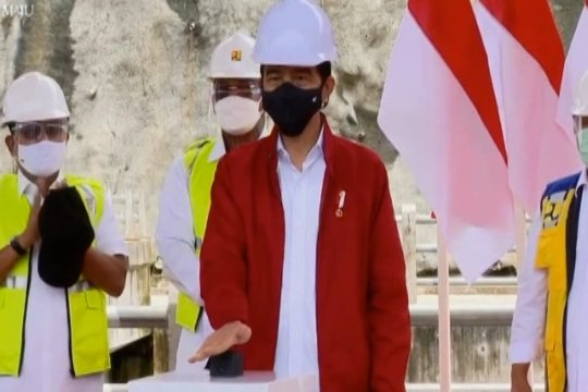 Presiden Jokowi resmikan Bendungan Tapin