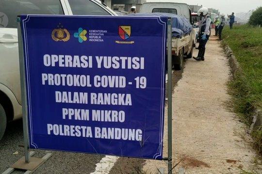 Polisi putar balik 500 kendaraan menuju Kabupaten Bandung