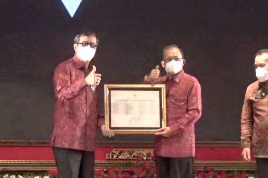 Menkumham serahkan sertifikat kekayaan intelektual untuk budaya & kesenian Bali