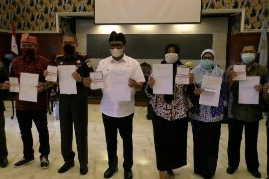 Tepis isu vaksin, tokoh Kota Malang terima vaksinasi kedua